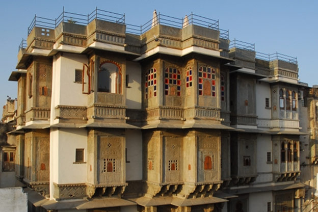 Green buildings and traditional indian architecture